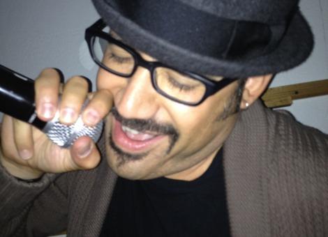 Robert-hernandez-ona12-karaoke_profile_large